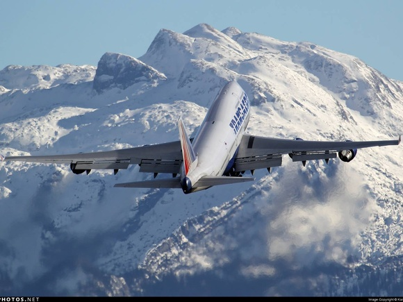 Transaero Airlines Boeing 747-446 taking of from Salzburg