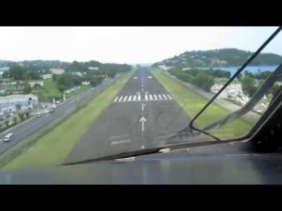 Cockpit view of a difficult approach and landing!