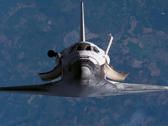 Late-breaking Shuttle photo