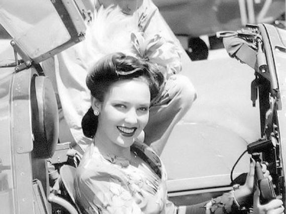 Linda Darnell Wearing Victory Rolls