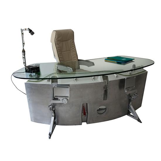 desk 015 concept internet